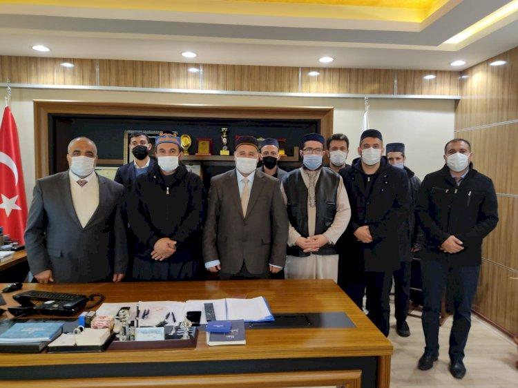 Vakıf Üyeleri ve ilahiyatçılar İlçe Müftüsü Çiftçi'yi Ziyaret Ettiler
