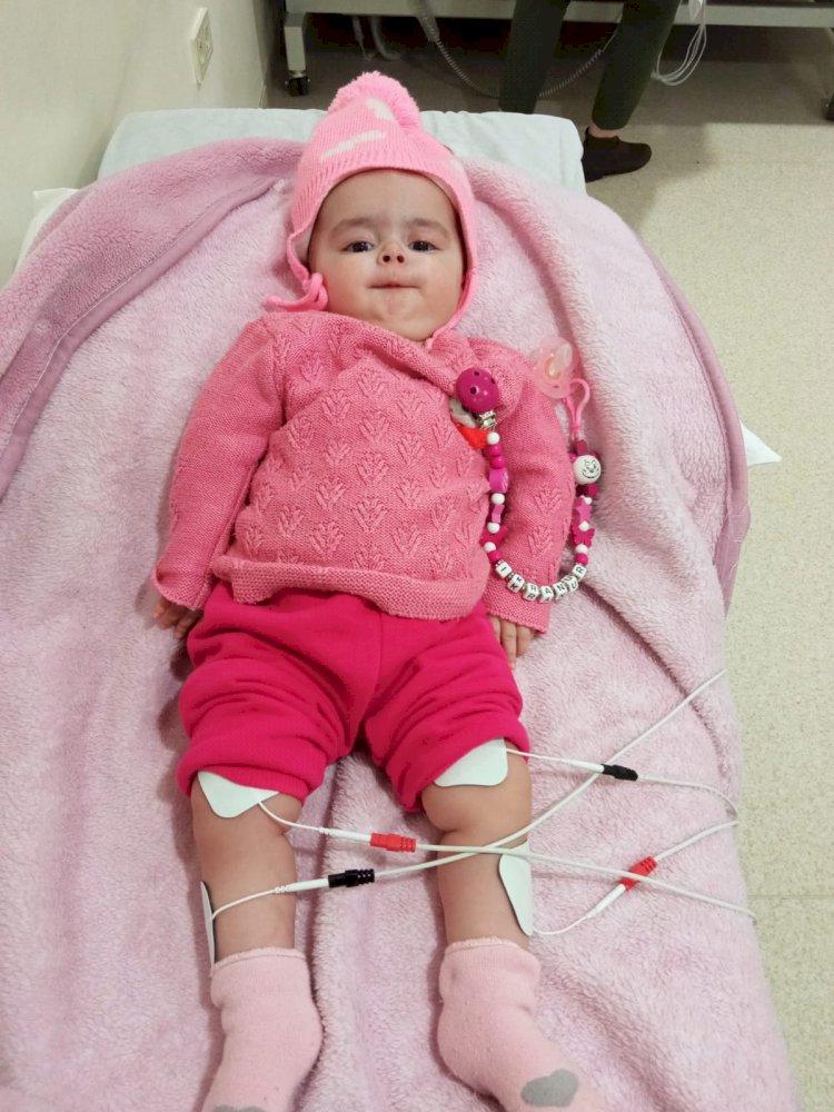 SMA hastası küçük ikranur uzanacak yardım eli bekliyor