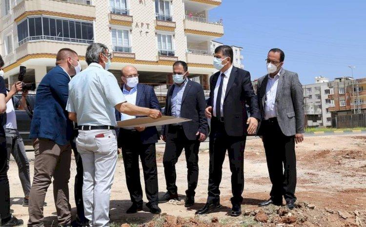 Başkanlar Sarı ve Fadıloğlu pazar yeri inşaat alanını inceledi