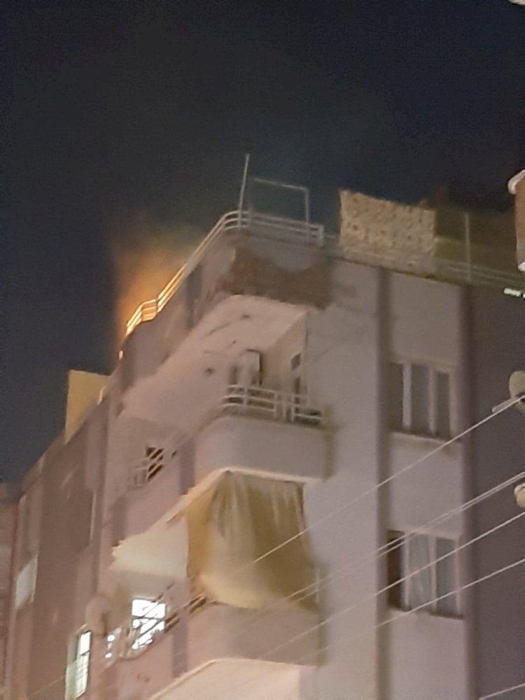 Nizip'te çocuklarını rehin alıp, evini yaktı